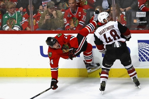 Arizona Coyotes still look for first win of the season against the hot Chicago Blackhawks