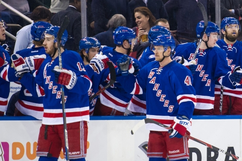 Rangers finally stop skid with ugly matinee win