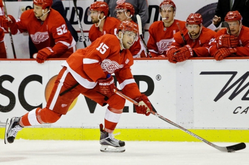Red Wings trade Riley Sheahan to Penguins