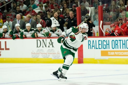 Watch: Ryan Suter goes top shelf glove for his first of the season