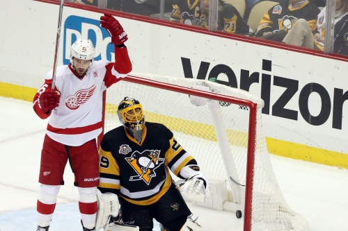 A look at the Pittsburgh Penguins new center Riley Sheahan