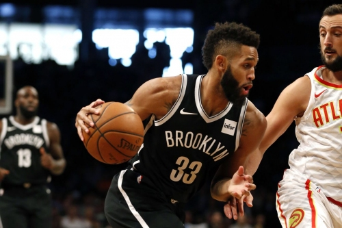 Allen Crabbe, still under minutes restrictions, offered to come off bench