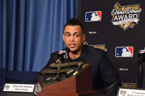 MLB trade rumors: Giants 'early favorites' to acquire Giancarlo Stanton