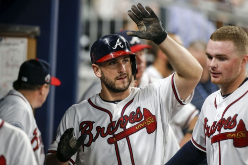 Mariners claim C David Freitas from Braves, Rob Whalen reinstated