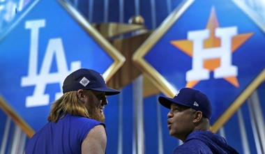 World Series heads to Houston: Game 3 TV info, live stats, chat