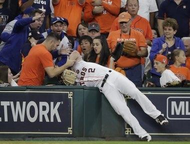 Astros pound Dodgers' Yu Darvish to take Game 3 in Houston