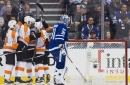 Elliott makes 28 saves, Flyers beat Maple Leafs 4-2 (Oct 28, 2017)