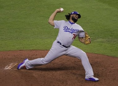 Dodgers' late comeback against Astros ties World Series at 2
