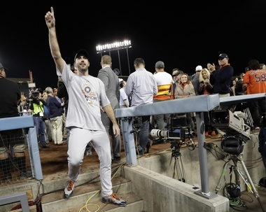 Tigers congratulate Justin Verlander after his World Series win