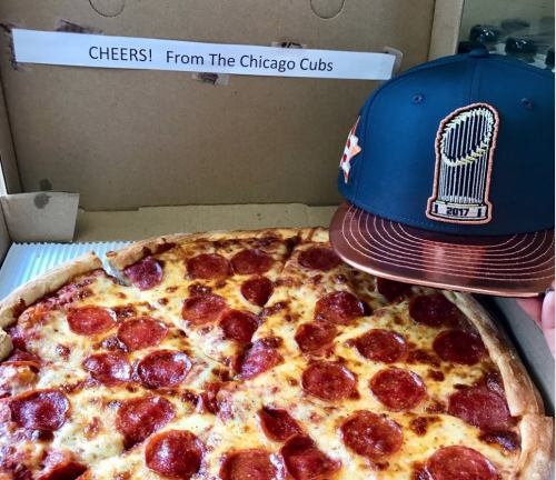 Cubs keep tradition alive, send pizzas to Astros front office
