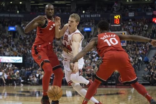 Raptors almost blow it, hang on to beat Bulls 119-114