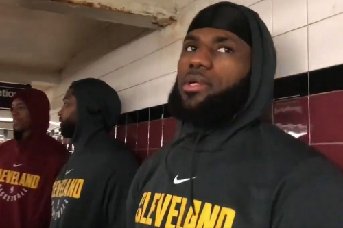 LeBron, Cavaliers take train in NYC, are way too pleased with themselves about it