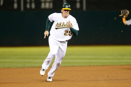 Mariners acquire INF Ryon Healy from A's for RHP Emilio Pagan