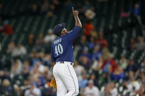 Mariners send Thyago Vieira to White Sox for International Slot Money