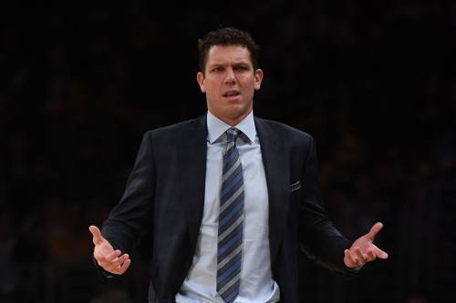 Lakers News: Luke Walton doesn't want the Lakers chucking three-pointers