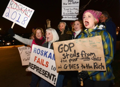 More than 100 protestors turn out for Roskam appearance at GOP fundraiser in Downers Grove