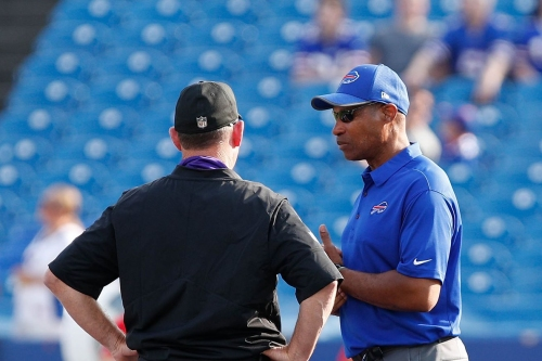 With Buffalo Bills defense faltering, fans want coordinator Leslie Frazier out