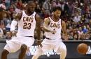 LeBron James, Dwyane Wade offer support to Derrick Rose