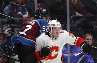 Rittich makes 24 saves for first NHL win, Flames top Avs 3-2 (Nov 25, 2017)