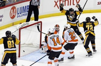 Crosby's OT winner lifts Penguins past Flyers; Murray hurt (Nov 27, 2017)