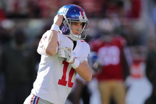 Horse Tracks: Broncos should pass on Eli Manning