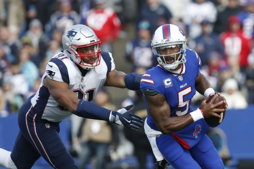 Tyrod Taylor carted off the field against Patriots