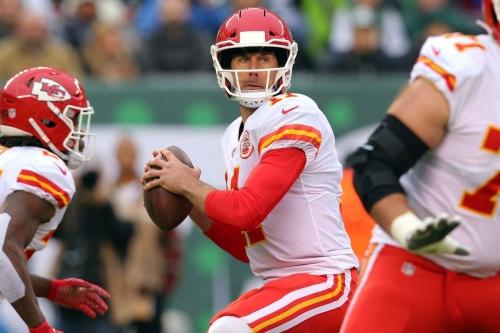 For Chiefs' Alex Smith, it was a game of pressure vs. no pressure