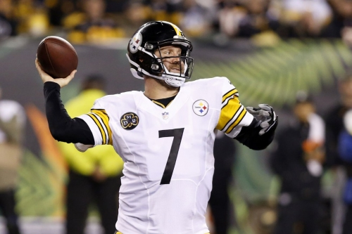 With heavy hearts, the Steelers come from behind to beat the Bengals 23-20