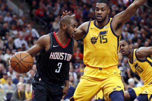 Chris Paul's double-double propels Rockets over Jazz