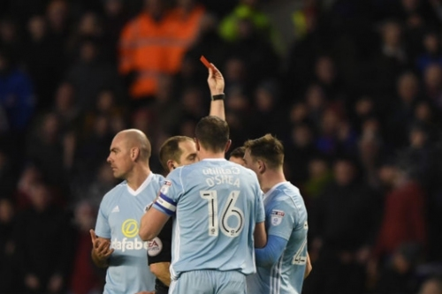 Quick Kicks: Was that Lee Cattermole's lowest ever moment in a Sunderland shirt?