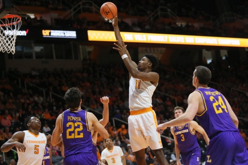 Tennessee Basketball: Vols move up in latest AP Poll