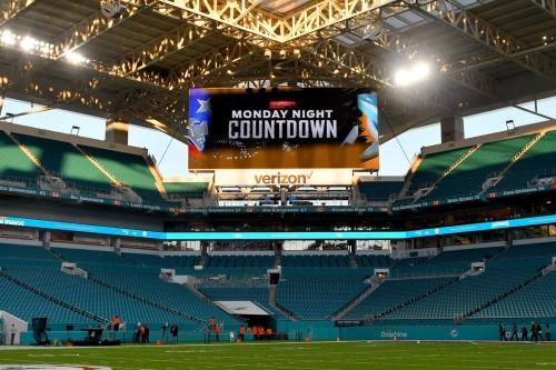 Monday Night Football open thread: Patriots at Dolphins