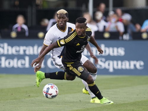 MLS Ticker: Sounders acquire Francis from Crew, Galaxy ink Norwegian defender to deal and more