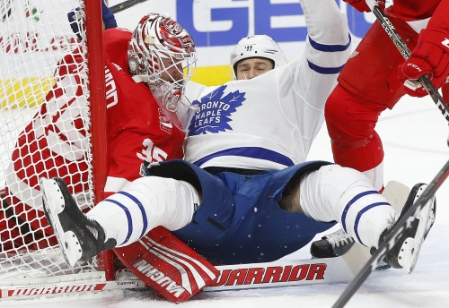 Red Wings beat Toronto to stop three-game slide