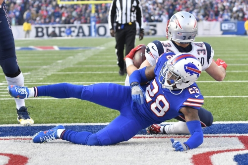 Buffalo Bills cornerback E.J. Gaines leaves game with knee injury