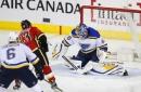 Dougie Hamilton breaks tie in 3rd, Flames beat Blues 2-1 (Dec 20, 2017)
