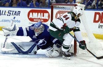 Lightning rack up 3 late goals in shutout win over Wild