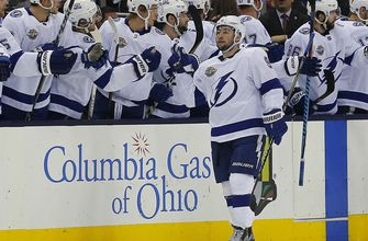 Tyler Johnson sparks Lightning's offensive explosion in win over Blue Jackets