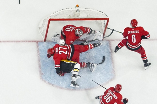 Carolina Hurricanes at Pittsburgh Penguins: Game Preview and Storm Advisory