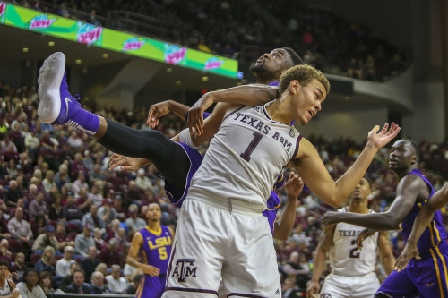 LSU Stuns Texas A&M 69-68