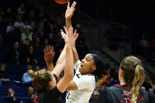 Kristine Anigwe powers Cal to another tight win