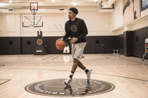 Players union chooses Dinwiddie to run New York clinic