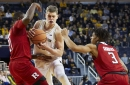 Michigan remains in AP Top 25 after 2-1 week