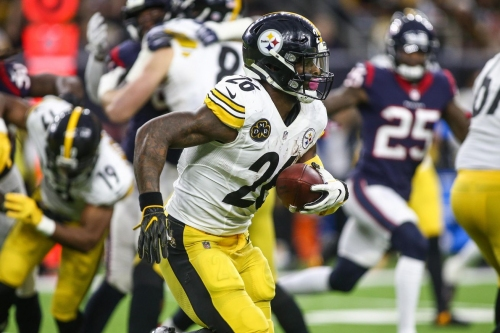 Steelers and Le'Veon Bell 'closer than last year' in contract talks