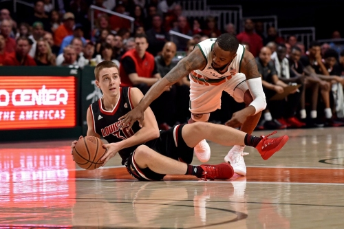 Louisville blows golden opportunity in OT loss at Miami