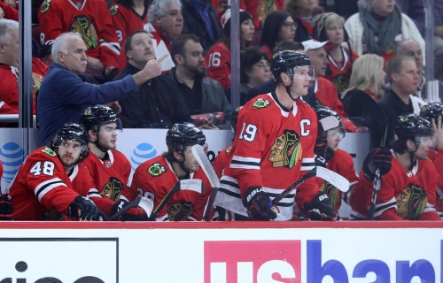 Blackhawks lose third game in a row and fifth straight at home