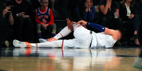 Kristaps Porzingis suffers torn ACL in Knicks' loss