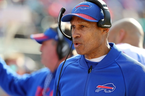 Bills' DC Frazier interviews but doesn't get Colts HC gig