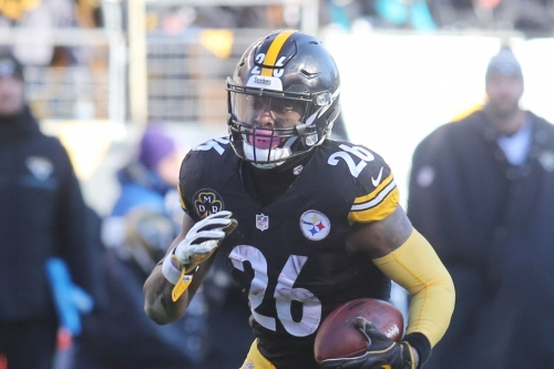 Experts predict the Steelers will franchise tag Le'Veon Bell, at least in the short term