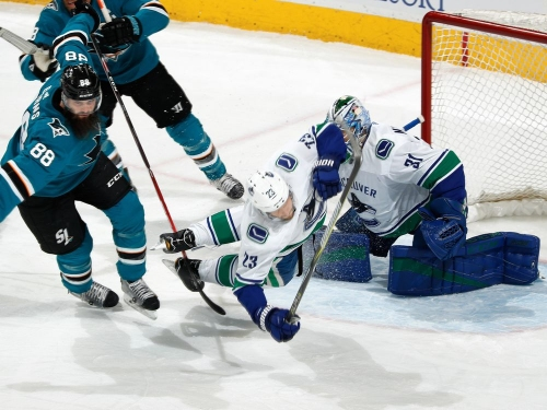 Sharks 4 Canucks 1: Moral victory on shot clock, but another loss